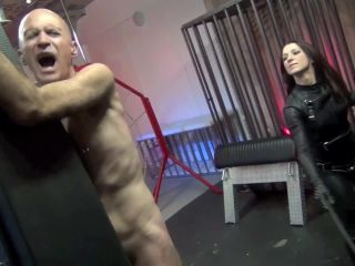 Floggers – DomNation – THE INCOMPARABLE CRUELTY OF MISTRESS BELLA BLACKHEART – Mistress Bella Blackheart