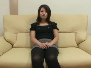 Japanese cougar mami isoyama shows off hairy sy for creampie