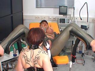 Extreme vacuum pumping