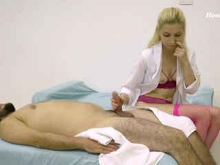 Handjob Lizzy – Husband Has Massage Of The Little Sister In Law – Paradise Handjobs – Blowjobs