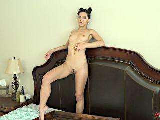 online xxx clip 36  / watersports / solo female