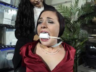Tara videos: bondage, latex and other kinky fetishes