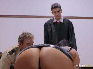 – BigButtsLikeItBig presents Romi Rain in Judge Jordi: Anal About Alimony