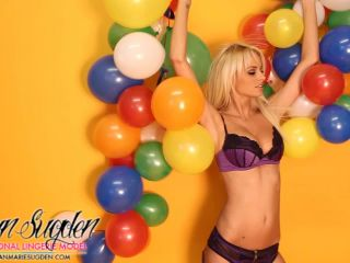 Rhianmariesugden presents Rhian Sugden in Fun With Balloons