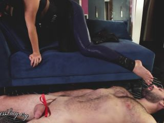 Mistress Lucy – Femdom a fan Part 3 – Foot Worship (1080 HD) – Asian – Footworship, CFNM