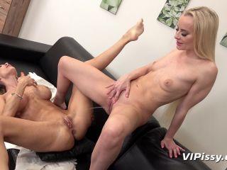Victoria Pure - Cynthia Vellons - Tropical Trickles [FullHD 1080P] - Screenshot 5