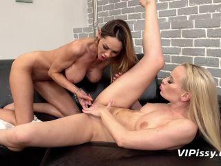 Victoria Pure - Cynthia Vellons - Tropical Trickles [FullHD 1080P] - Screenshot 6