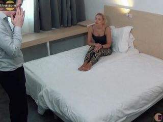Submission Hold – Squeeze n Smother – JENNI CZECH 's ANACONDA LEGS