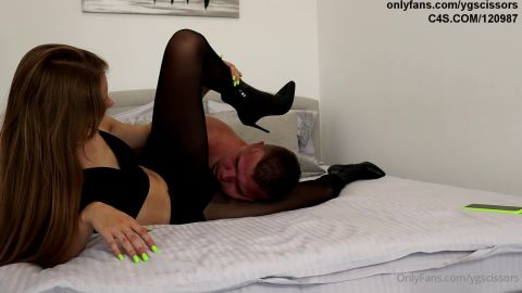 Young Goddess - Black Heels And Black Pantyhose Cruelty [FullHD 1080P]