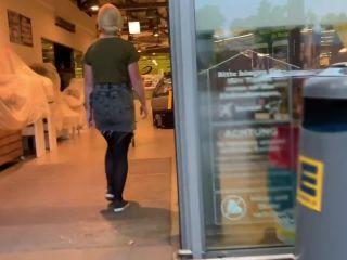 MyDirtyHobby presents devil-sophie — Extrem Public das Revier markiert — Lebensmittelgeschaeft trotz Kameras eingesaut