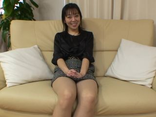 Shy japanese cougar squeals as toys and cock prate her