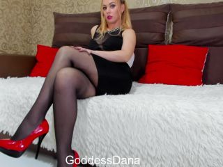 Sniff to my pantyhose feets