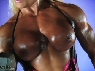 Lisa Cross Work Out her Tasty Tits