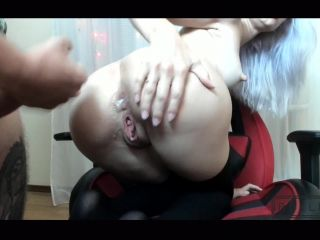 Cum on her ass - BelleNiko