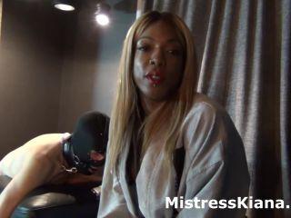 Porn online Caught sniffing Mistress Kiana's panties