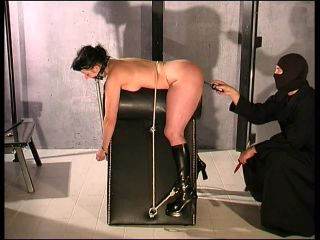 Slave Cat – Punished in Rubber by Master T.