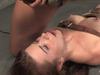 Sarah Blake Isis Love - Sarah Blake Is Back As A Sexy Cheerleader In