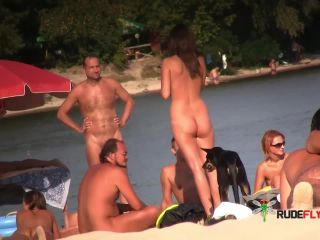 Here some vid's of a Greek Nude Strand on the Greek island Paros.