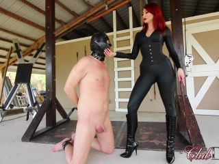 Female Domination – ClubDom – Kendra Punishes Her Slave – Whipping – Kendra James