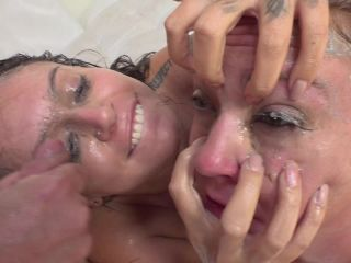 Maddy OReilly aka Maddy O'reilly & Tori Avano - Puke Snorting Sluts