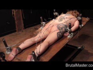 Brutal BDSM Runt – Brutal Tie Down (040915)