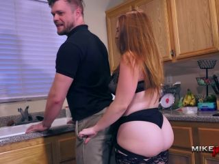 Summer Hart, Mike Panic - Kitchen Pegging with Summer Hart on toys armpit fetish