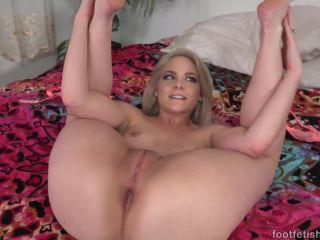 Footfetishdaily.com- Meet Lisey Sweet