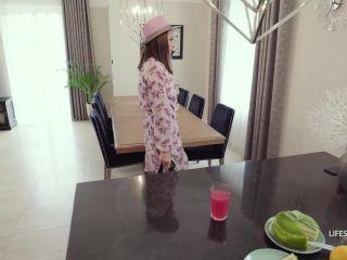 Luxury Girl - My Slutty Step-Mom Luxury Girl - LifeSelector (FullHD 2020)