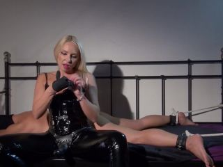 Restraints – Kinky Mistresses – Fucked on the Bed by Mistress Marta – Mistress Marta