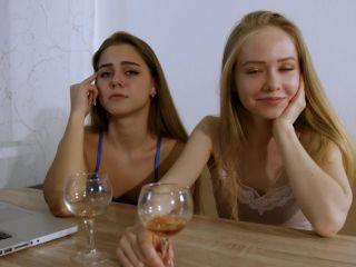 Put your hands up Olesya and Leya