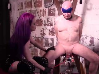 [Femdom] Goddess Valora Beg To Lick Real Session