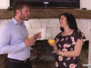 JacquieEtMichelTV presents Ca chauffe pour Isabella