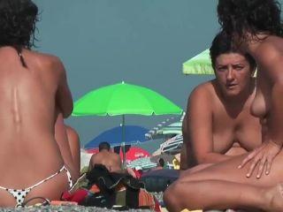 Gorgeous ass in thong bikini