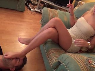 Cecilia - Footstool, Smoking And Ignoration - Part 1