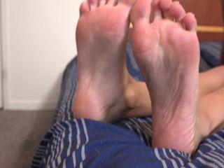 Foot Fetish - Meet Cecilia Lion