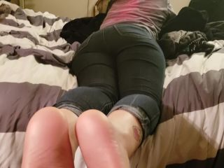 Stepsister Smelly Footjob - Allie Marie