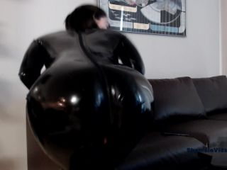 Ella Hollywood – Older) Fun Latex Dildo Play