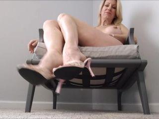 Jerk To My Feet – Mo Rina – mature feet joi   toes pointing   femdom porn interracial femdom