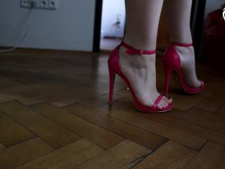 Foot Fetish – Czech Soles – Naughty girl on high heels having her feet worshiped