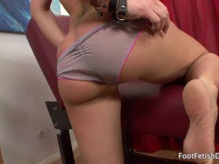 Sheena Shaw Footjob