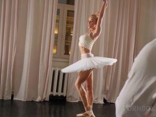 Lara Frost - Ballet Dancer, Escort In The Soviet Union Nrx031 - 1 ...