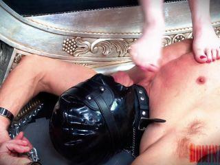 Domina Planet - Empress Elle - Foot Swallowing 101 (1080 HD) - foot play - lesbian girls skin diamond femdom