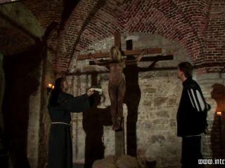 IR-044 Crucifixion