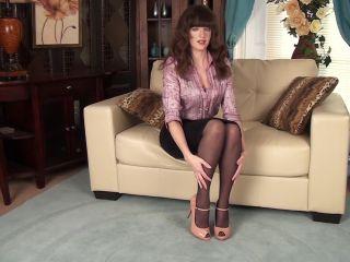 Kate Anne - Busty Beauty