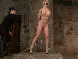 Cherie Deville - Hawt Blonde Gets Pounded!!!
