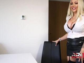 Britishbratz - Pas Pantyhose Payrise, fetish model on cumshot