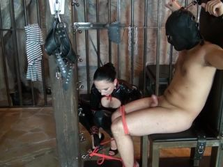 Odor and leak training for the object of desire of the latex mistress Part 3.