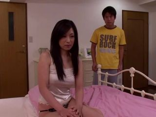 MDYD-872 Fucked friends mother son of a friend, again and again Hitomi Aihara ... I had been squid