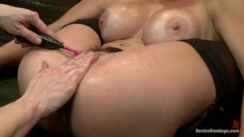 Mz Berlin, Felony, Bella Rossi - Extreme immobilization! Felony is at the mercy of two fierce Doms (540p)