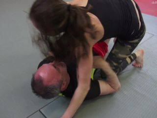 Skilled female fighters  Lubka grappling fight vs. Gernot [Mixed Fighting, Jui Jitsu, Grappling]